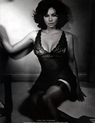 Monica Bellucci posando para la ediccion rusa de GQ Magazine del mes de agosto 2009