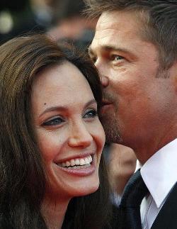 A Brad Pitt y a Angelina Jolie les gusta el sexo en la piscina