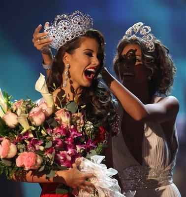 Stefania Fernández elegida Miss Universo 2009
