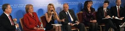 Shakira logra que presidentes iberoamericanos comparezcan ante la prensa