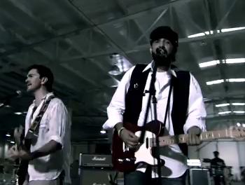 Video Oficial de Juan Luis Guerra feat Juanes - La Calle