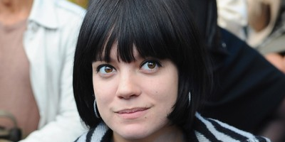 Lily Allen demanda a Apple