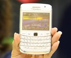 BlackBerry Onyx 9700 XL Warna Putih Lebih Gaul