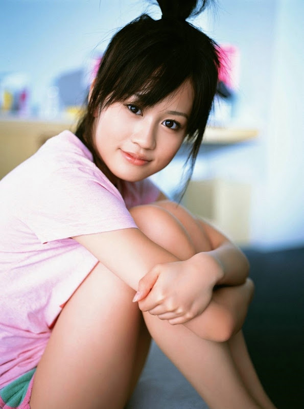 Japanese Girl Atsuko Maeda Biography and Photo Gallery Photoshoot images