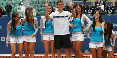 Tommy Robredo and babes