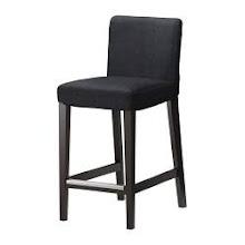 Fant denne på IKEA.. Kr 665,- passer perfekt til bordet..
