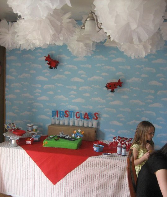airplane dessert table 2