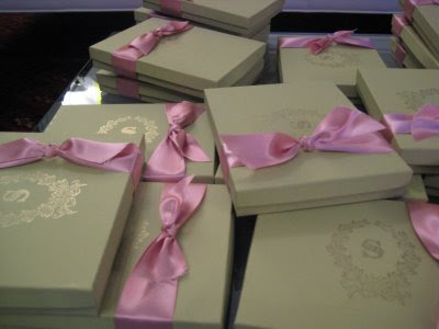 ribbon box invite