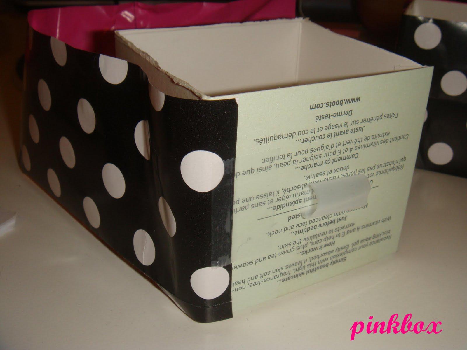 http://3.bp.blogspot.com/__i1TzY8zi5E/TBrUYZwJX_I/AAAAAAAAAqM/DN4nhuPuE-0/s1600/DIY+Lipstick+holder+5.JPG
