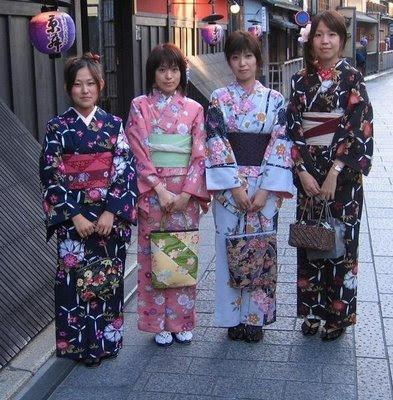 http://3.bp.blogspot.com/__ilGsQcnGTY/TOhU-Qs4UqI/AAAAAAAAAyI/YrVC9KzrKeU/s400/dressed+to+shop.jpg
