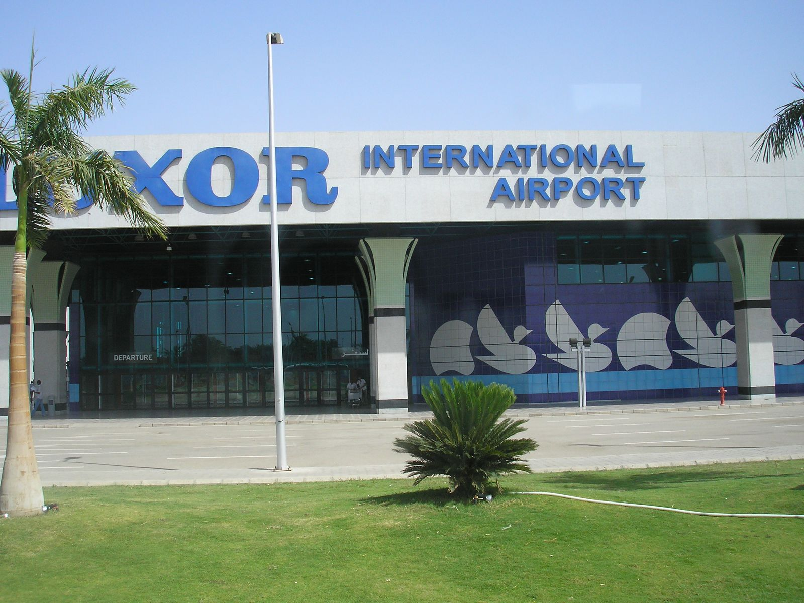 Vé máy bay đi Luxor