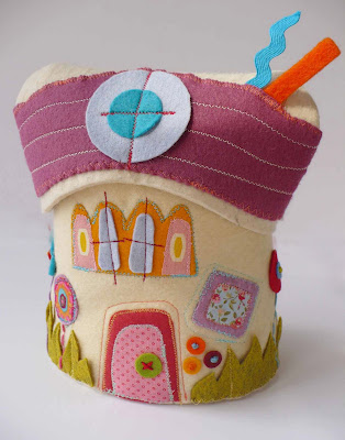 sewing felt house tutorial