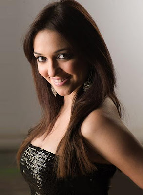 Nauheed  Cyrusi  Seen On www.coolpicturegallery.us
