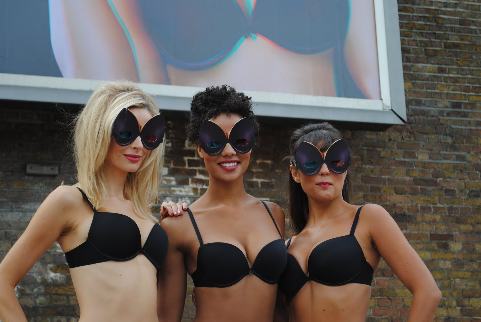 The Special Bra 3D glasses