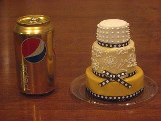 las vegas miniature wedding cake