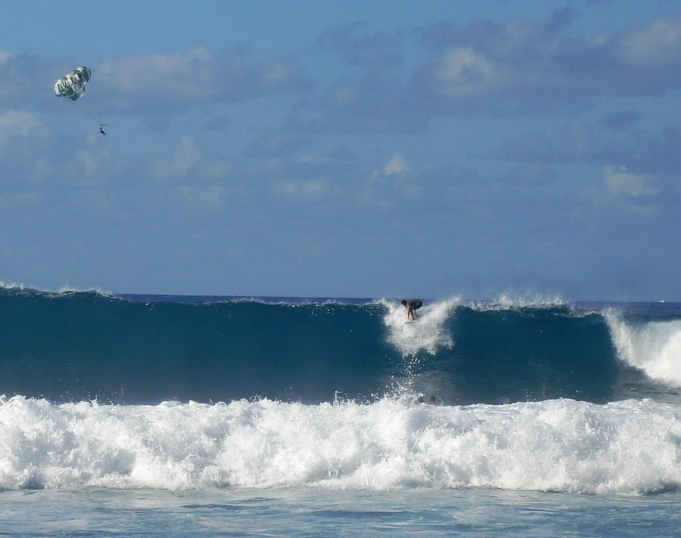 High surf in kona hawaii