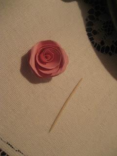 Πως να φτιάξετε τριαντάφυλλα απο χαρτί απο την Χρυσάνθη IMG_0117