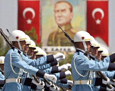 http://3.bp.blogspot.com/__rQi4NYv9Vg/SaVd5vChLoI/AAAAAAAABes/EWGvm0_NHwM/s400/_7319_turkish-army-8-10-2003.jpg