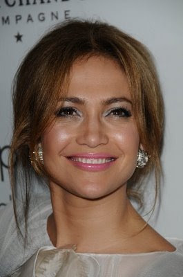 Jennifer Lopez Elegant Hairstyle