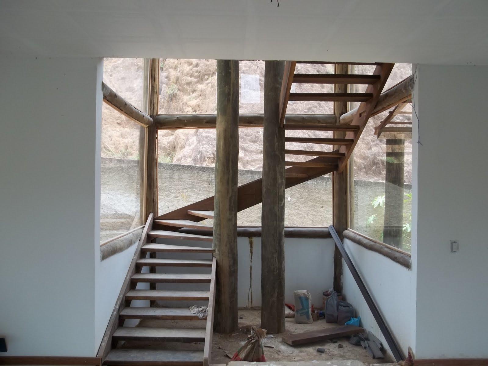 Serviços de Carpintaria!: Escada de madeira em Z  #5D4B3F 1600x1200
