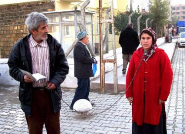 [donna+musulmana+con+il+marito.jpg]