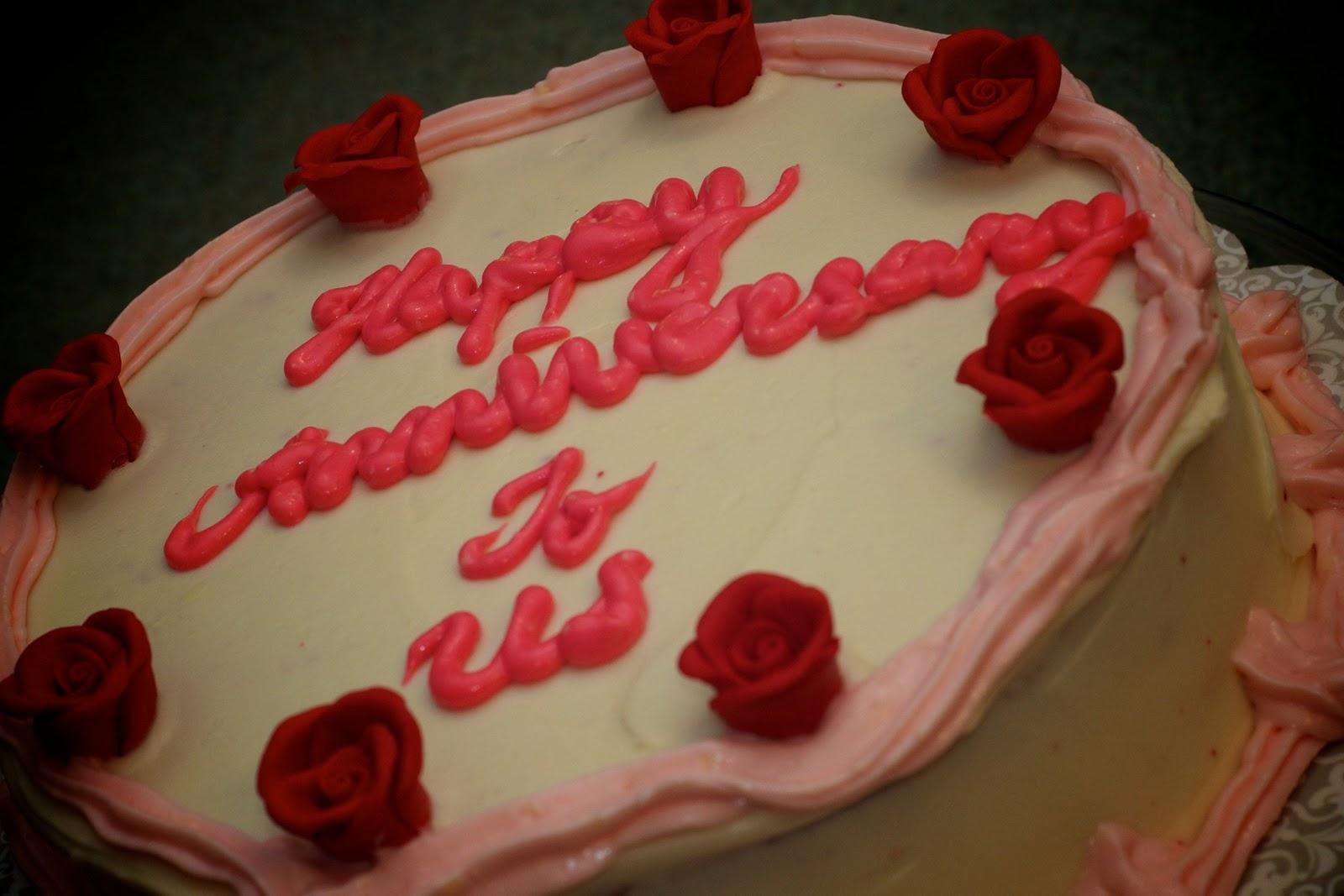 Red velvet cake for the th wedding anniversary