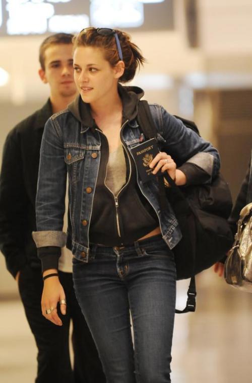 Download this Speak Kristen Stewart Movie Review picture