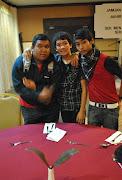kwn baek 3 owunk , iaitu arif , amjad , hakim :)