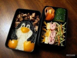 Пингвин из яичницы.