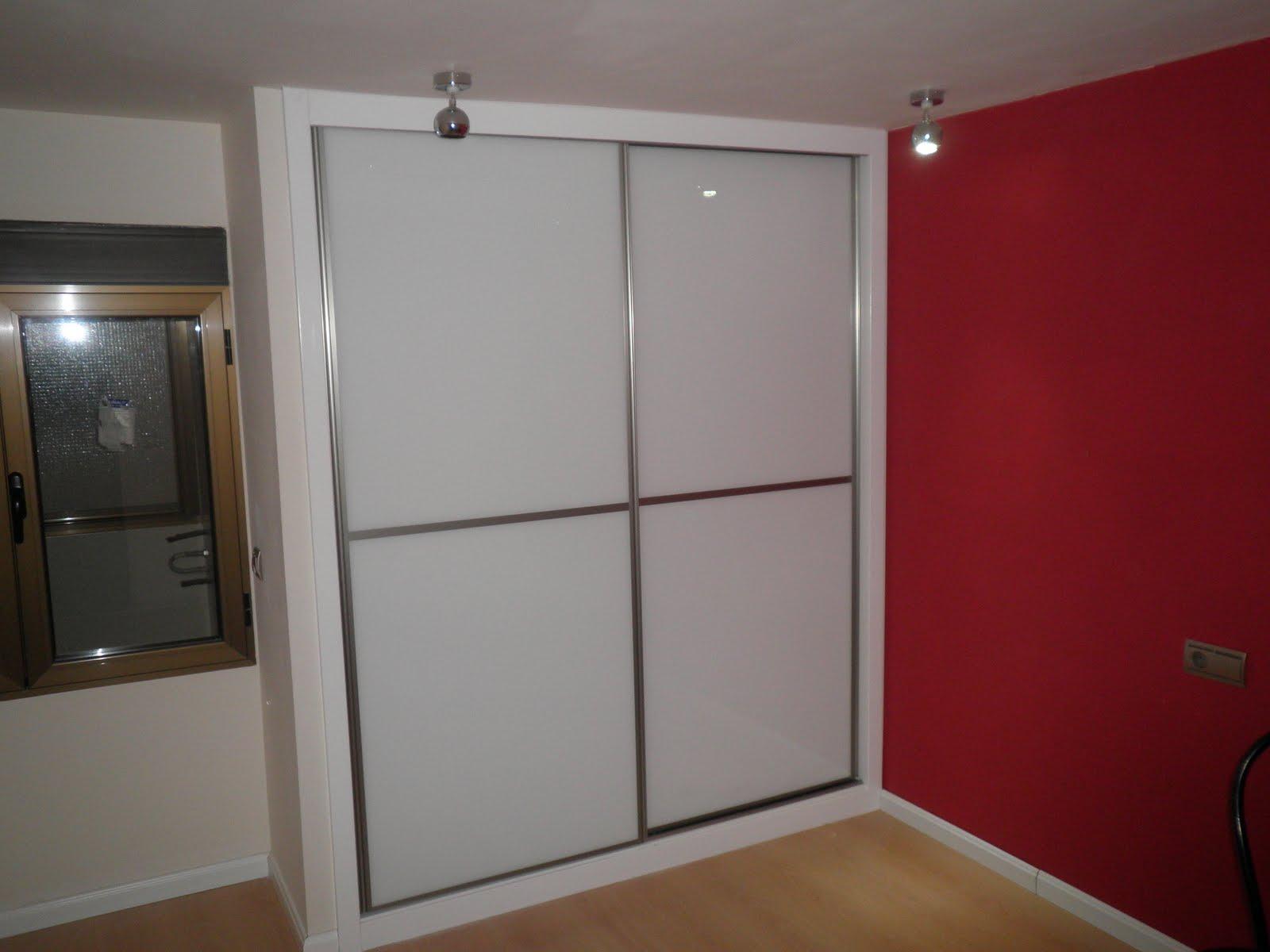 Decoraciones sahuquillo armario puertas correderas cristal - Puertas correderas armario empotrado ...