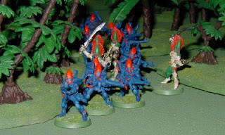 Guardian Defenders and Howling Banshees pour out of the jungle to attack
