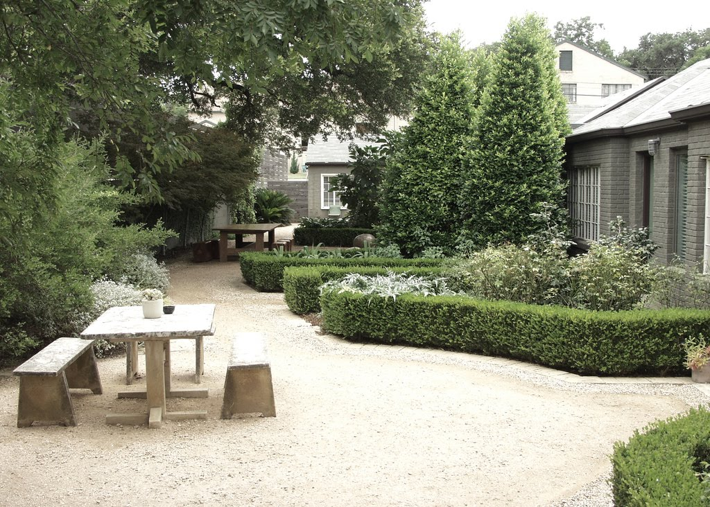 Backyard landscaping ideas with gravel 2017 2018 best for Courtyard landscape oostburg wi