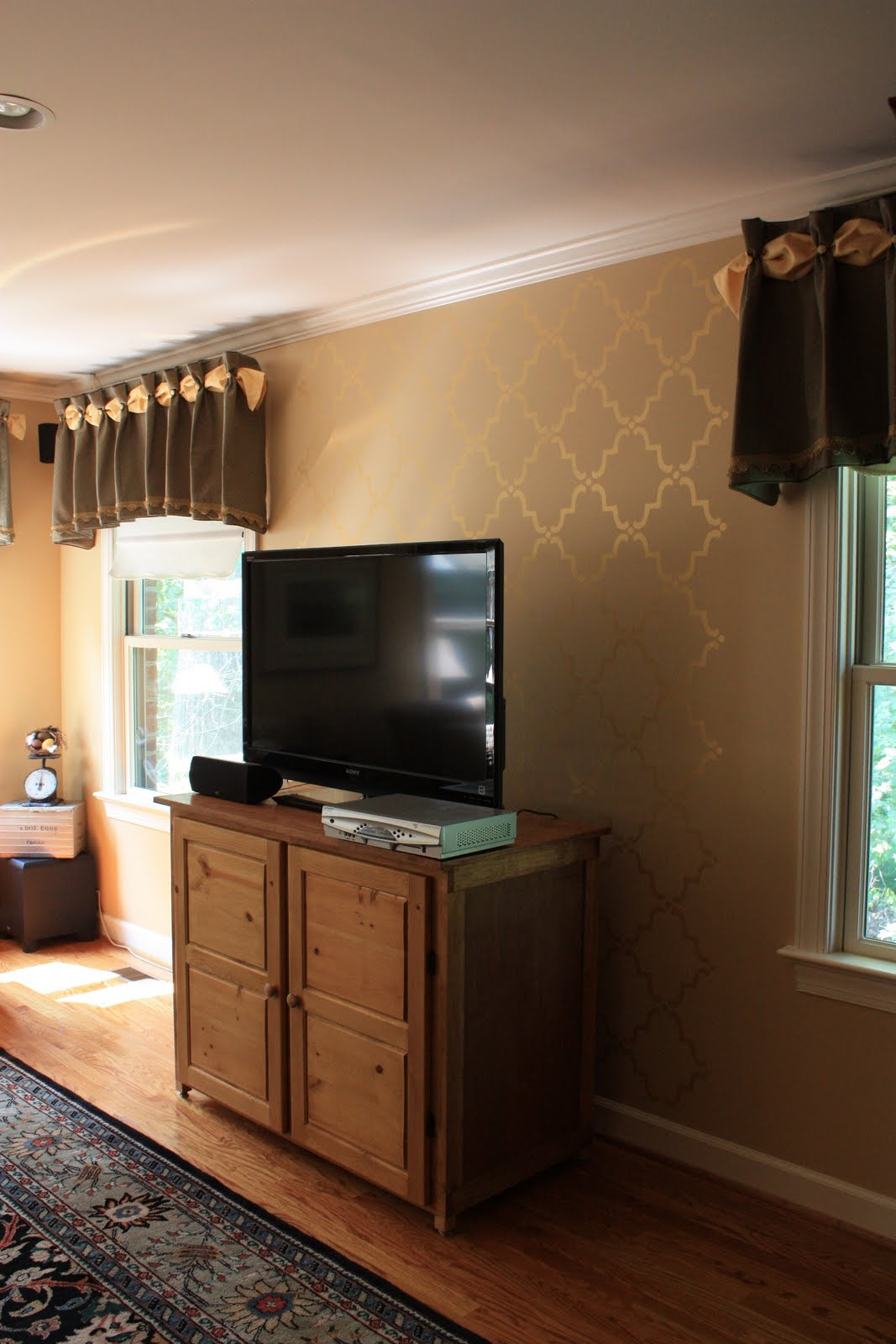 Stenciled Family Room Wall Sweet Pea