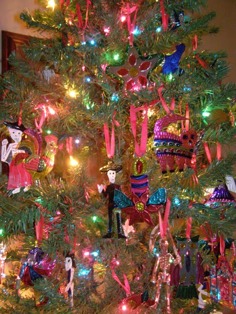 A few years ago, a dear friend in San Antonio had a party where she  decorated everything with Mexican tin ornaments. - Lone Stars And Stripes: My Tin Ornament Tree