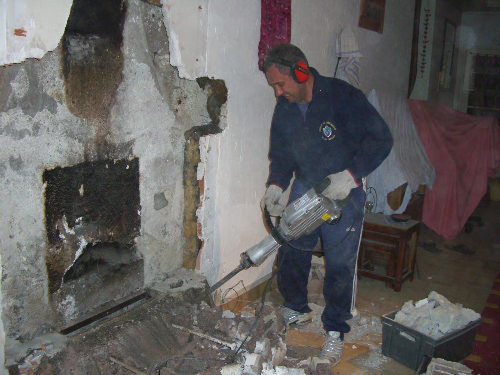 Le bricolage c 39 est aussi a le changement de chemin e - Demolition cheminee ancienne ...
