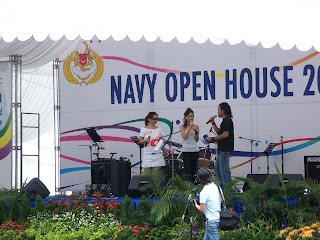 Fiona Xie Singing at Navy Open House 2007 - Picture 2