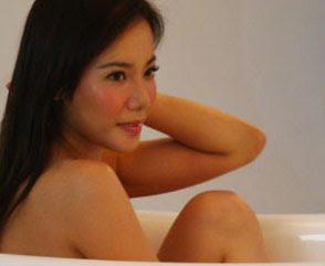sexy fiona xie bathing - 02