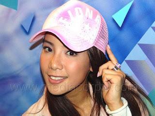 fiona xie in pink cap 2