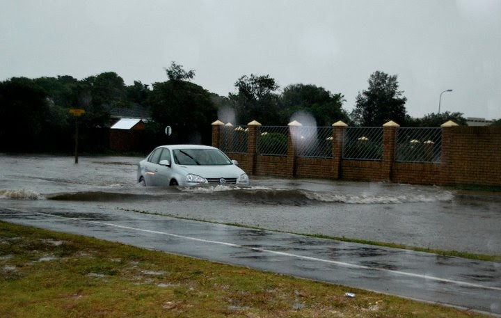 S a weather and disaster information service south africa flash flooding images port - What is the weather in port elizabeth ...