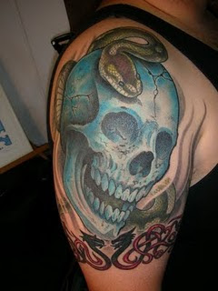 tatto helloween blue skull and python tattoo picture. Black Bedroom Furniture Sets. Home Design Ideas