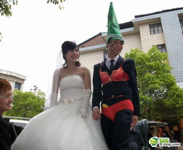 http://3.bp.blogspot.com/_a2Ac_i7cQNk/S_0B0qEd78I/AAAAAAAAbh4/BFK5dBgzebo/s1600/crazy_chinese_fashionmongers_640_17.jpg