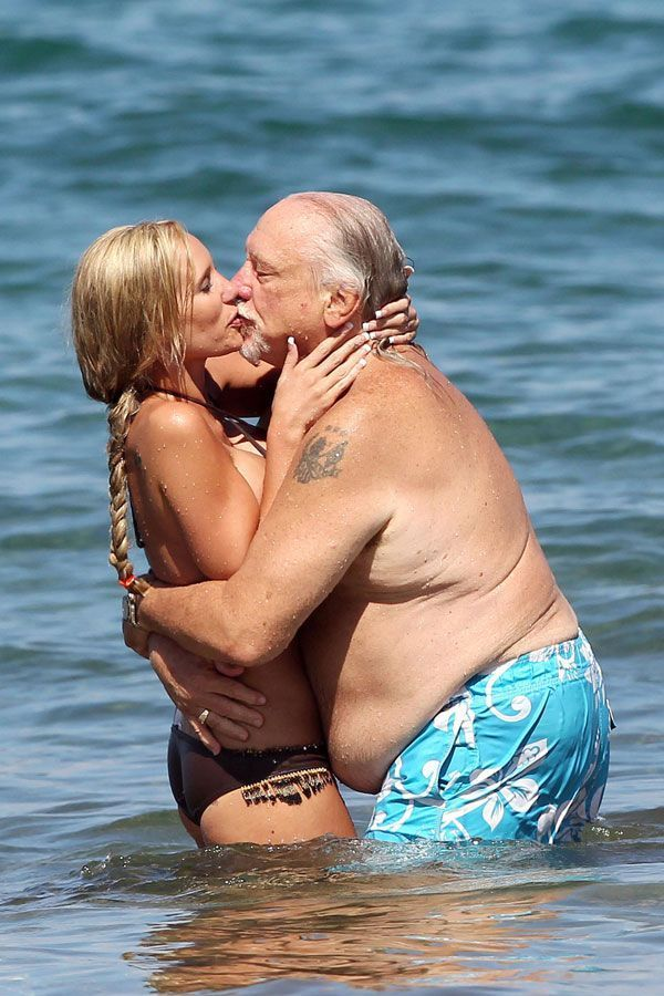 No Nude But Cute: Don't Even Start on Telling That This is True Love ...
