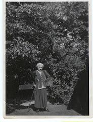 Hylleborg i haven, juni 1953