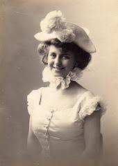 4.002.Yelva Lange (1887-1918)