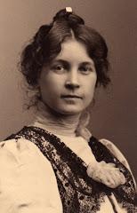 4.004.Fanny Lovise Ipsen (1874-1940) i 1905