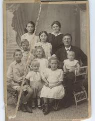 Johannes og Hylleborg med børn