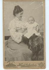 Hylleborg med datteren Else 1904