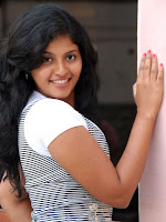 Anjali Most Cute Looking Stills Gallery-cover-photo