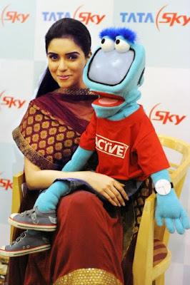 Asin at the Tata Sky Call Centre