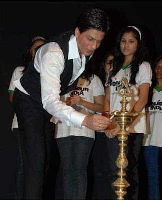 Shah Rukh Khan Inaugurates Photo Exhibition Earth From Above